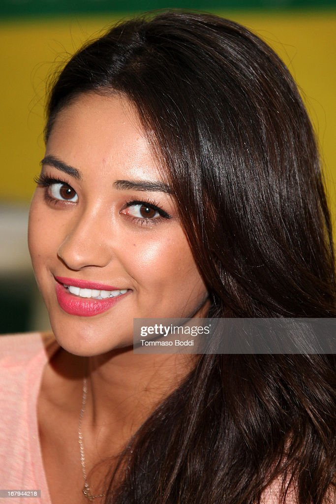 'Pretty Little Liars' star Shay Mitchell joins Girl Power Day to give Ascension's 2013 Graduating Class new horizons held at Ascension Catholic School on May 2, 2013 in Los Angeles, California.