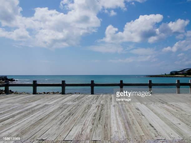 Hübsche Pier am Strand