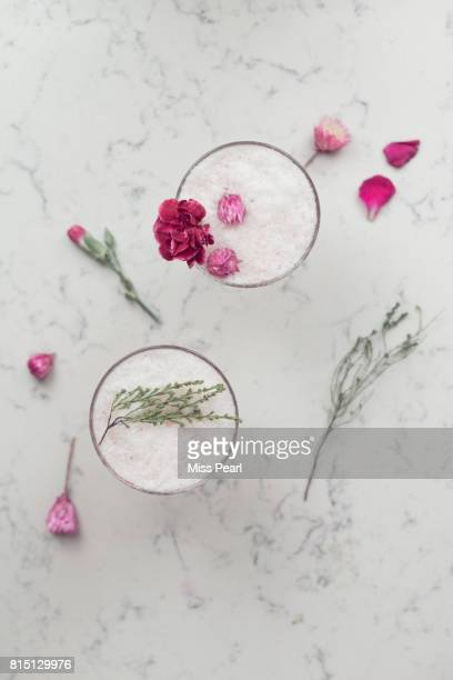 Pretty pink party drinks with flowers
