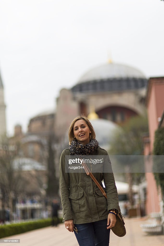 Pretty traveller woman - Hagia Sophia Museum in the background : Stock Photo