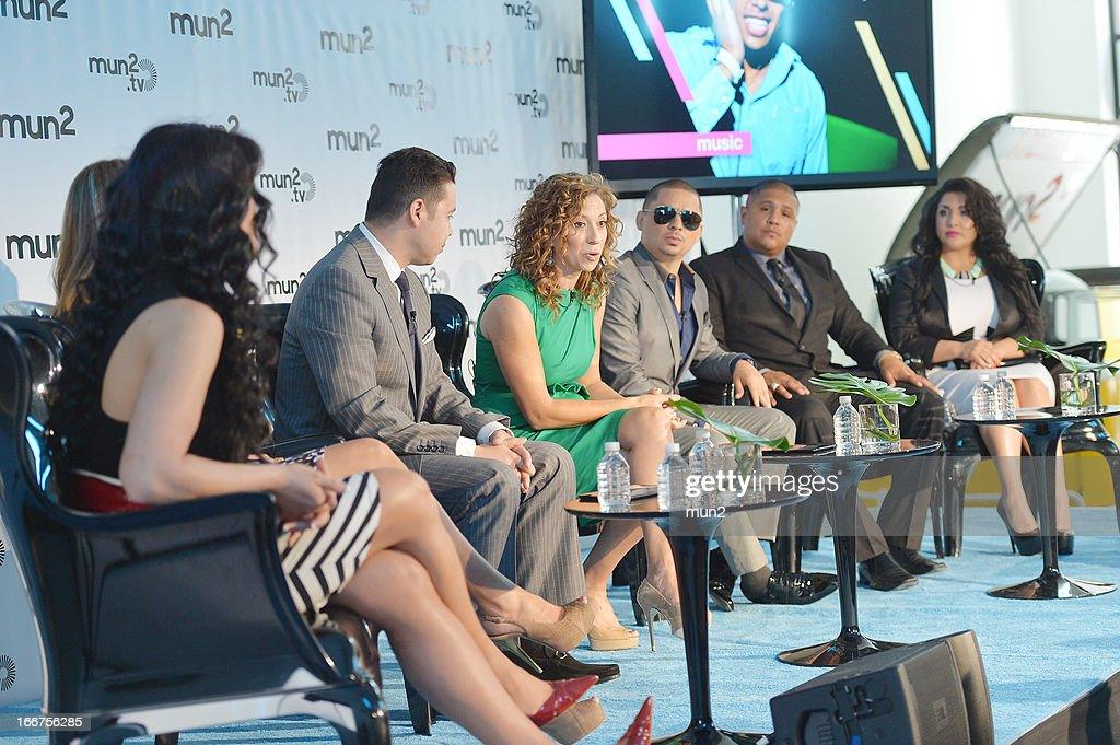 MUN2 - EVENTS -- Pre-Upfront Press Conference -- Pictured: (L-R) <a gi-track='captionPersonalityLinkClicked' href=/galleries/search?phrase=Marisol+Terrazas&family=editorial&specificpeople=4264664 ng-click='$event.stopPropagation()'>Marisol Terrazas</a>, <a gi-track='captionPersonalityLinkClicked' href=/galleries/search?phrase=Vicky+Terrazas&family=editorial&specificpeople=4264665 ng-click='$event.stopPropagation()'>Vicky Terrazas</a>, Joe Bernard, Diana Mogollon, <a gi-track='captionPersonalityLinkClicked' href=/galleries/search?phrase=Larry+Hernandez&family=editorial&specificpeople=6918528 ng-click='$event.stopPropagation()'>Larry Hernandez</a>, <a gi-track='captionPersonalityLinkClicked' href=/galleries/search?phrase=Fernando+Vargas+-+Bokser&family=editorial&specificpeople=215059 ng-click='$event.stopPropagation()'>Fernando Vargas</a>, and Martha Vargas. --