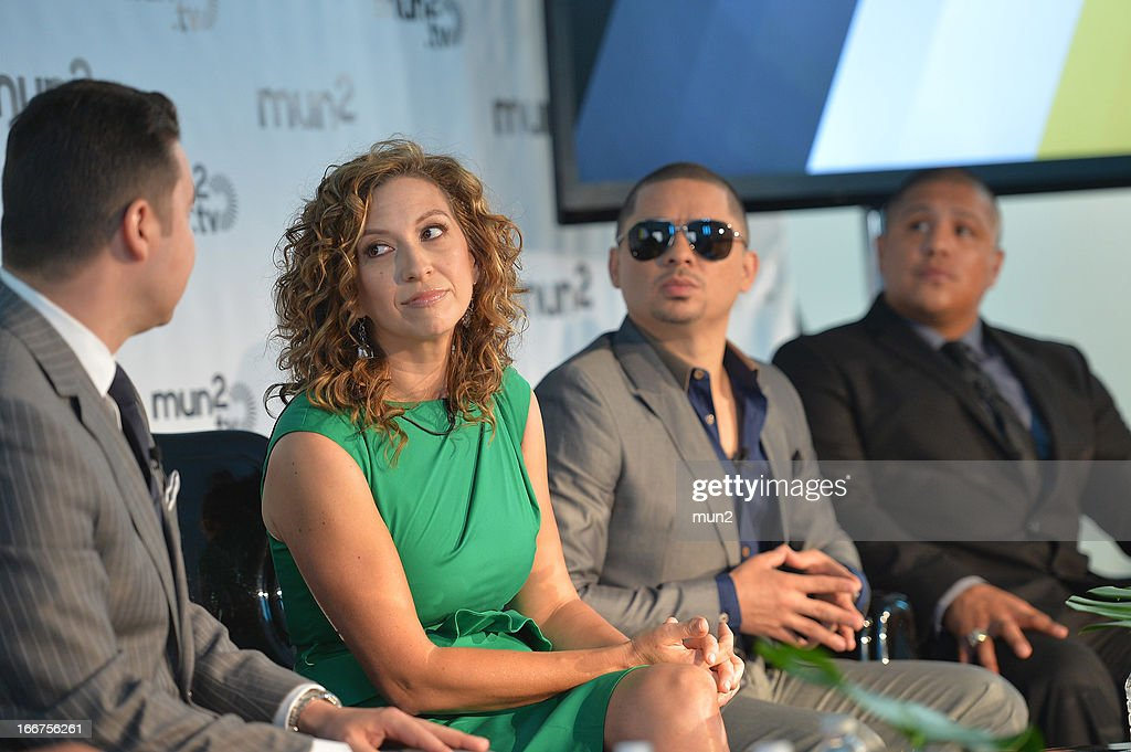 MUN2 - EVENTS -- Pre-Upfront Press Conference -- Pictured: (L-R) MUN2 Senior V.P. of Sales Joe Bernard, MUN2 General Manager Diana Mogollon, musician Larry Hernandez of 'Larrymania,' and former professional boxer Fernando Vargas. --