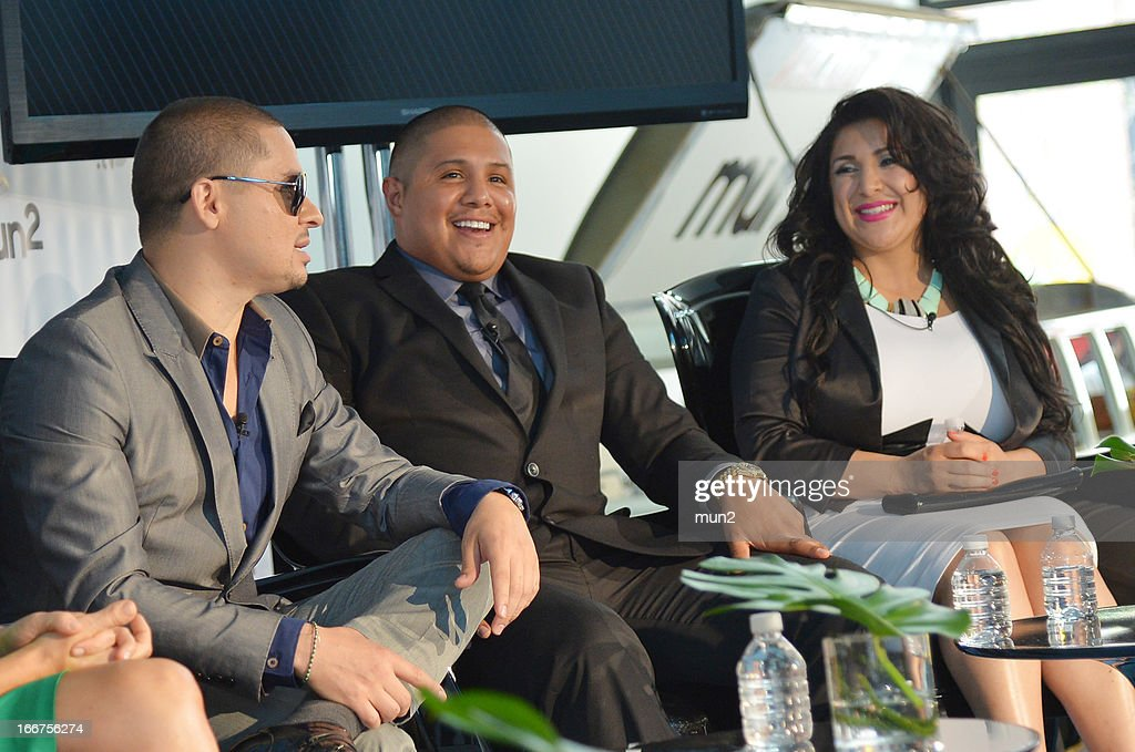 MUN2 - EVENTS -- Pre-Upfront Press Conference -- Pictured: (L-R) Musician Larry Hernandez, former professional boxer Fernando Vargas, and Martha Vargas. --