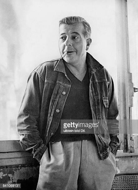 Prevert Jacques*Schriftsteller F mit Zigarette 50er Jahre