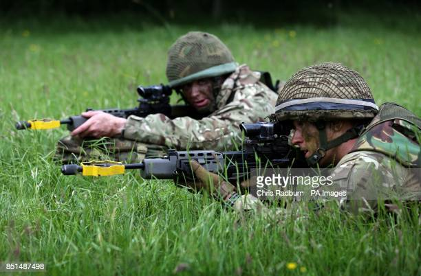 Previously unissued photo of Reservists Alex Mote from Pinner Middlesex and Nick Winter from Redhill Surrey both members of 4 Para Reserves taking...