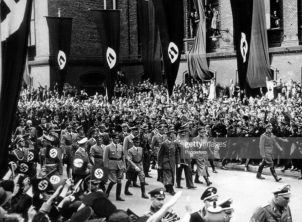 hitler and world war ii Explore the factors that led to hitler's invasion of russia in world war two why did his ill-considered attack lead to russia's victory.