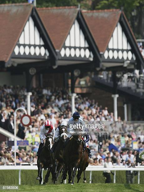 Primary ridden by Frankie Dettori leads in to the first bend during the MBNA Europe Bank Chester Vase race during the May Festival at Chester...