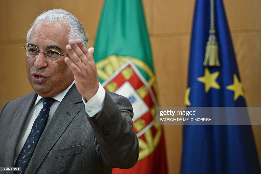 Prime Minister Antonio Costa delivers a speech during the signing of the national airline TAP agreement at the Ministry of Planning and Infrastructure in Lisbon on February 6, 2016. Portugal's new Socialist government said Saturday it had lifted its stake in TAP to 50 percent from 39 percent in line with a manifesto pledge targeting re-nationalisation. AFP PHOTO / PATRICIA DE MELO MOREIRA / AFP / PATRICIA DE MELO MOREIRA
