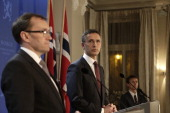 Prime Minister Jens Stoltenberg and Minister Of Foreign Affairs Espen Barth Eide address a press conference on January 17 2013 in Oslo Norway to...