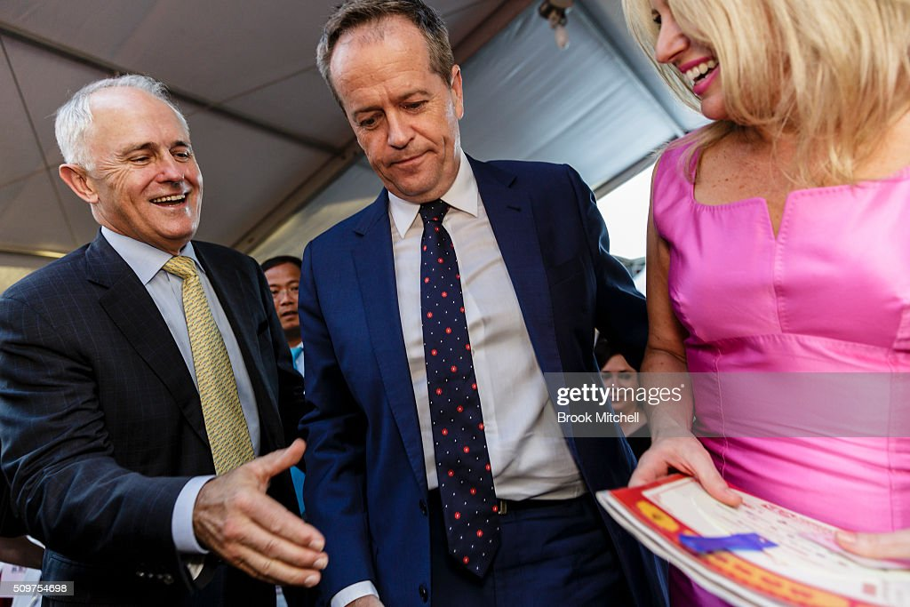 Prime Minister Malcom Turnbull, (L) Opposition leader Bill Shorten and his wife Chloe at the Chinese New Year Lantern Festival at Tumbalong Park on February 12, 2016 in Sydney, Australia. The lighting of lanterns is a centuries old tradition that marks the end of the Chinese New Year Festival.