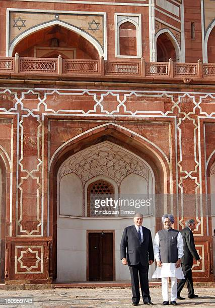 Prime Minister Manmohan Singh and Prince Karim Aga Khan IV at a ceremony to mark the completion of restoration work at Humayun's Tomb on September 18...