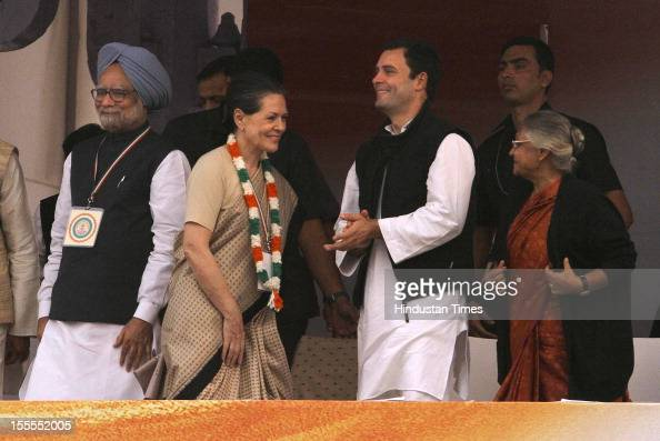 Prime Minister Manmohan Singh Congress President Sonia Gandhi General Secretary Rahul Gandhi at the party's Maharally at Ramlila Maidan on November...