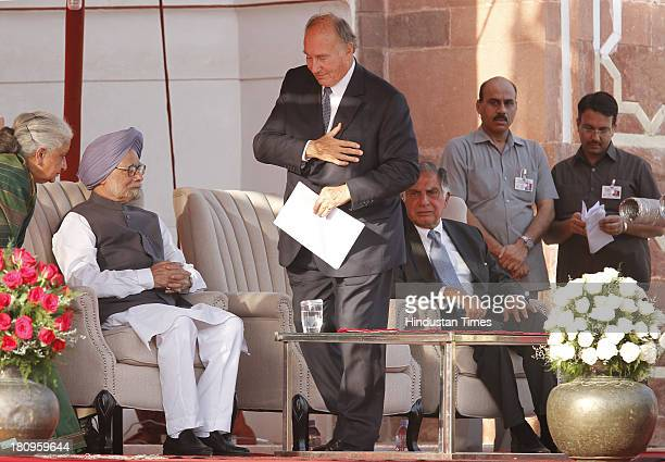 Prime Minister Manmohan Singh Prince Karim Aga Khan IV and Ratan Tata at a ceremony to mark the completion of restoration work at Humayun's Tomb on...