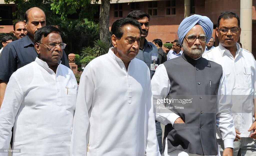 Prime Minister Manmohan Singh, Urban Development Minister Kamal Nath (C) and V. Narayanasamy (L) Minister of State PMO arrive at Parliament to attend Parliament Budget Session on April 22, 2013 in New Delhi, India. Parliament saw a stormy start to the second half of the Budget session today with issues including coal scam, incidents of rape and alleged heckling of Mamata Banerjee rocking both Houses.