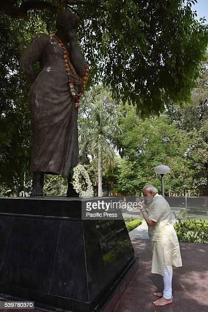 Prime minister Narendra Modi paying tribute to Shaheed Chandra Shekhar Azad at Azad park