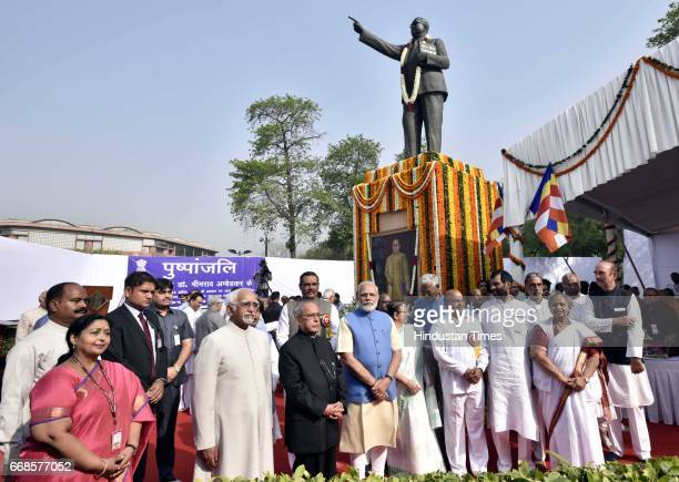 Prime minister Narendra modi Senior Congress leader Mallika Arjun charge Gulam nabi Azad and others after floral tribute to Dr BR Ambedkar Parliament...
