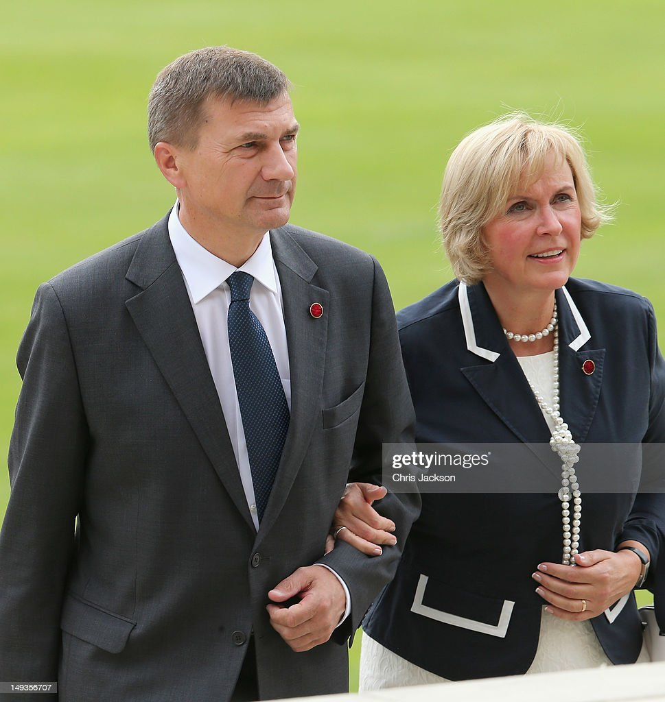 Prime Minister of Estonia <a gi-track='captionPersonalityLinkClicked' href=/galleries/search?phrase=Andrus+Ansip&family=editorial&specificpeople=566399 ng-click='$event.stopPropagation()'>Andrus Ansip</a> arrives for a reception at Buckingham Palace for Heads of State and Government attending the Olympics Opening Ceremony at Buckingham Palace on July 27, 2012 in London, England.
