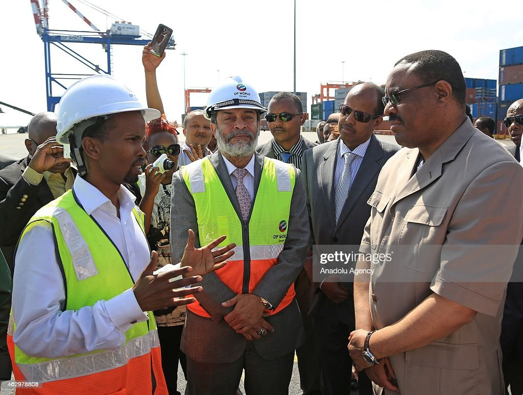 Prime Minister of Ethiopia <a gi-track='captionPersonalityLinkClicked' href=/galleries/search?phrase=Hailemariam+Desalegn&family=editorial&specificpeople=7752700 ng-click='$event.stopPropagation()'>Hailemariam Desalegn</a> (R) with his delegations accompanied by Djiboutian foreign minister Mohammed Ali Yousuf (R2) visit Dolare port in Djibouti City, Djibouti, on February 8, 2015.
