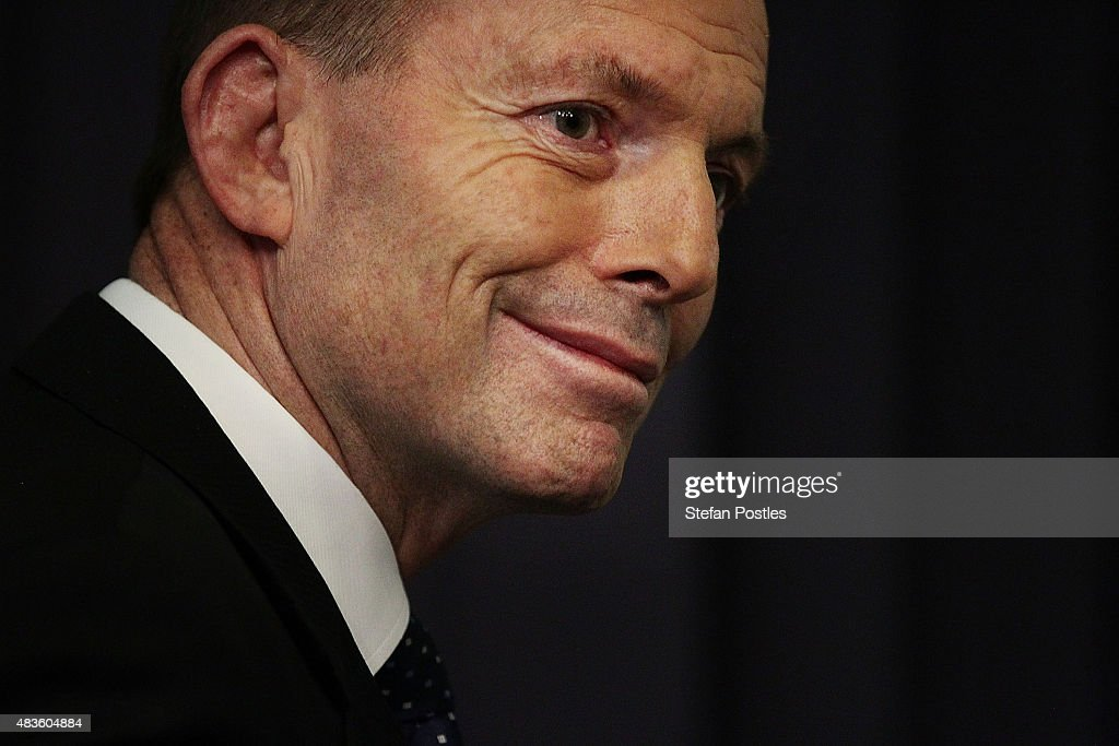 Prime Minister <a gi-track='captionPersonalityLinkClicked' href=/galleries/search?phrase=Tony+Abbott&family=editorial&specificpeople=220956 ng-click='$event.stopPropagation()'>Tony Abbott</a> announces a 26-28% carbon emissions target by 2020 during a press conference at Parliament House on August 11, 2015 in Canberra, Australia. Tony Smith was elected Speaker on 10, August following the resignation of Bronwyn Bishop.