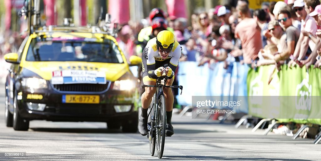Primo Roglic from Slovenia of Team Lotto Jumbo competes during the first stage of the Giro d'Italia 2016 at Apeldoorn, Netherlands, on May 6, 2016, an individual time trial over 9.8km through Apeldoorn. / AFP / ANP / Bas Czerwinski / Netherlands OUT