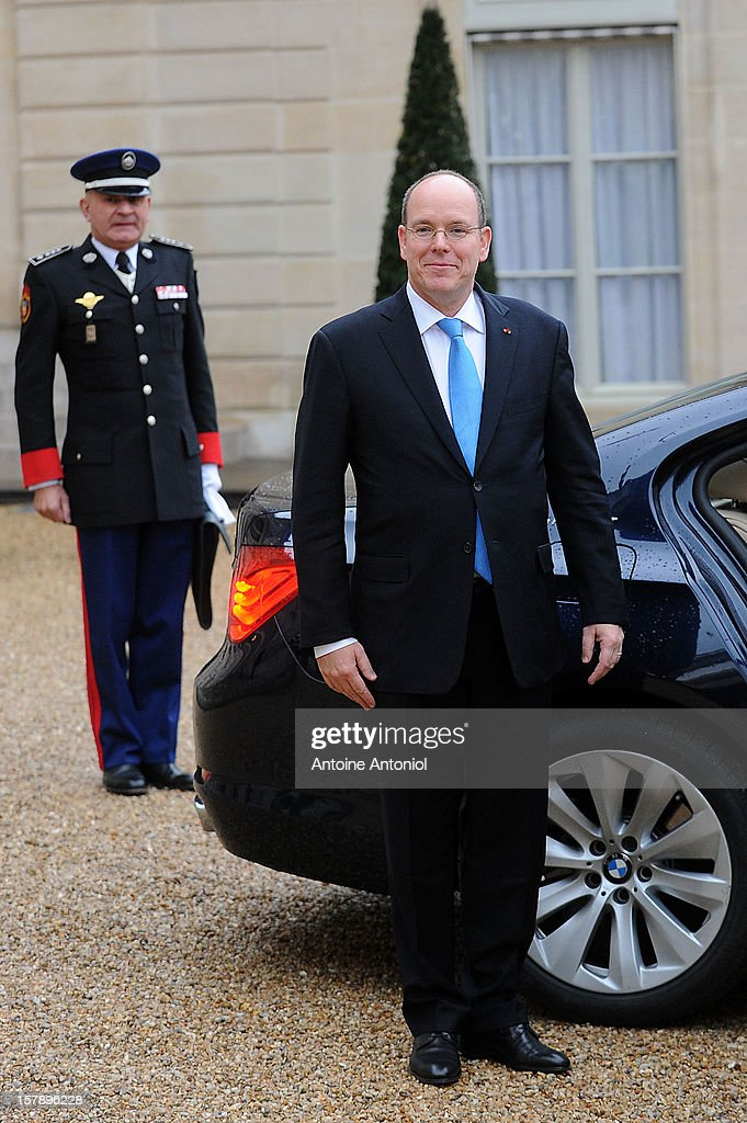 <a gi-track='captionPersonalityLinkClicked' href=/galleries/search?phrase=Prince+Albert+II+of+Monaco&family=editorial&specificpeople=201707 ng-click='$event.stopPropagation()'>Prince Albert II of Monaco</a> leaves the Elysee Palace on December 7, 2012 in Paris, France.