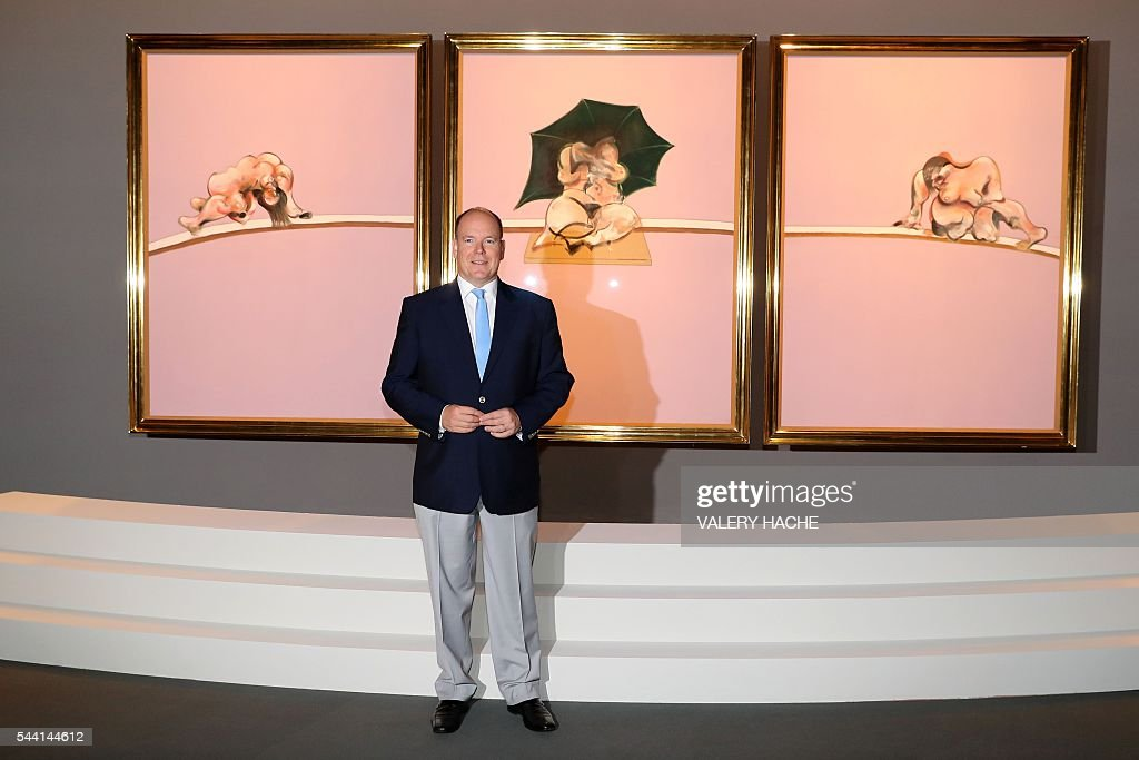 Prince Albert II of Monaco poses during a visit to the exhibition 'Francis Bacon' in Monaco on July 1, 2016. The exhibition will run from July 2 to September 4 at the 'Grimaldi Forum'. / AFP / VALERY