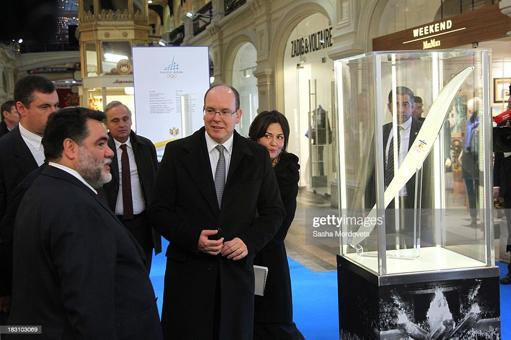 <a gi-track='captionPersonalityLinkClicked' href=/galleries/search?phrase=Prince+Albert+II+of+Monaco&family=editorial&specificpeople=201707 ng-click='$event.stopPropagation()'>Prince Albert II of Monaco</a> (C) visits an exhibition of Olympic torches from his own collection at the GUM department store with GUM owner Mikhail Kusnirovich (2L) at Red Square October 4, 2013 in Moscow, Russia. Prince Albert II will also be one of the dignitaries to carry the Olympic torch as it begins its four-month journey to Sochi next week.