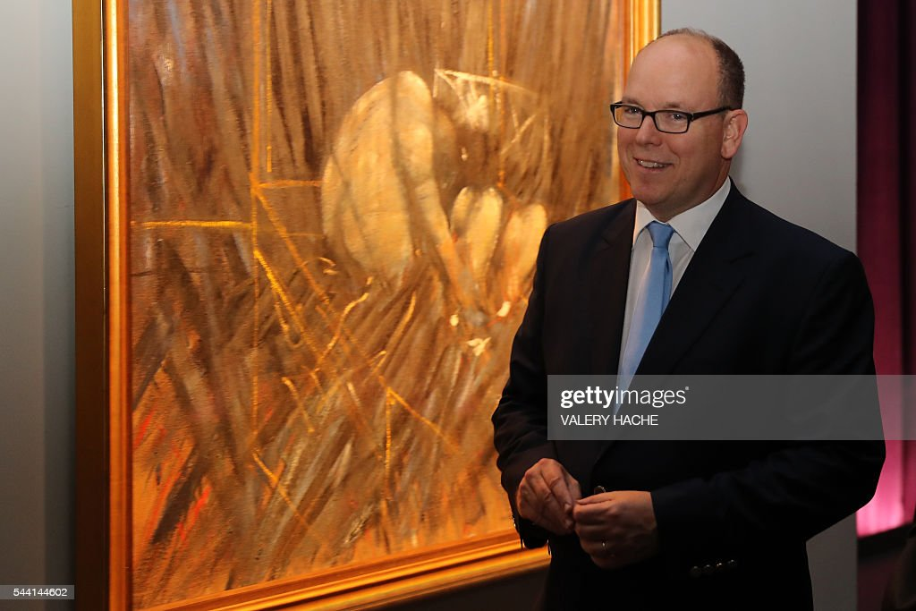 Prince Albert II of Monaco visits the exhibition 'Francis Bacon' in Monaco on July 1, 2016. The exhibition will run from July 2 to September 4 at the 'Grimaldi Forum'. / AFP / VALERY