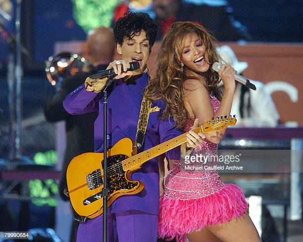 Prince and Beyonce perform his hits