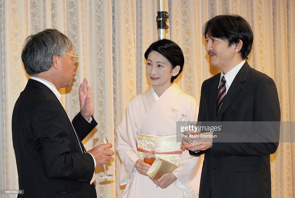 Prince (L) and Princess Akishino (R) talk with the representetive of Japanese Prefectural Associations in Brazil, Akinori Sonoda during the reception for the 54th Convention of Nikkei and Japanese Abroad on October 29, 2013 in Tokyo, Japan. The 180 of 'Nikkei,' Japanese or their decedants who live in other countries, from 24 countries in North and South Americas attend the convention.