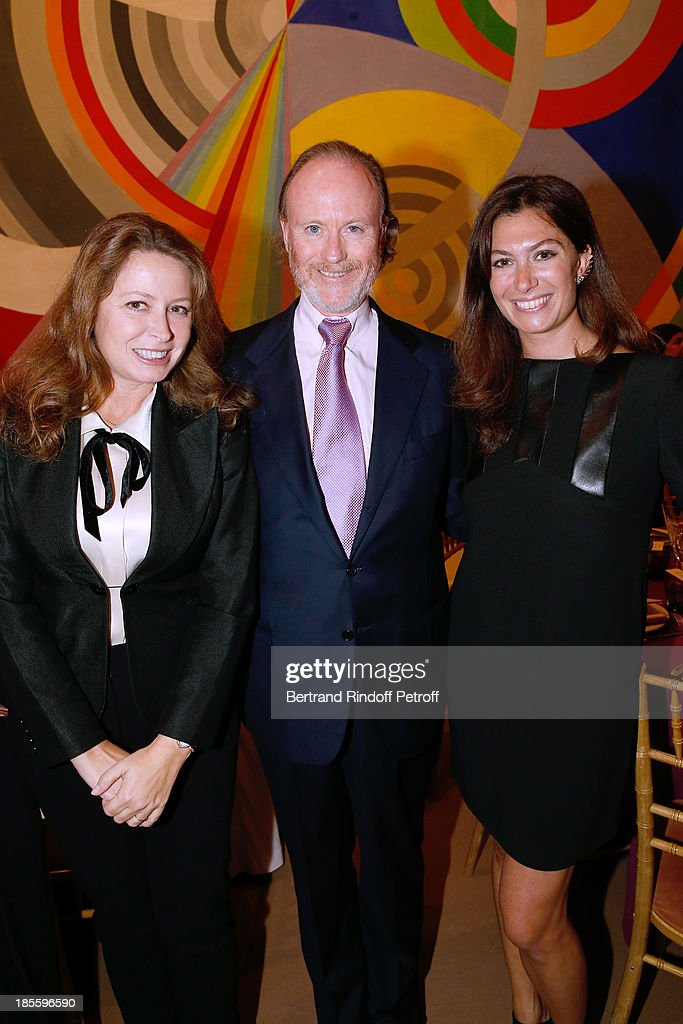 Prince and Princess Pierre d'Arenberg and her sister Cordelia de Castellane (R) attend the the dinner of the friends of the 'Musee d'Art Moderne de la ville de Paris' on October 22, 2013 in Paris, France.