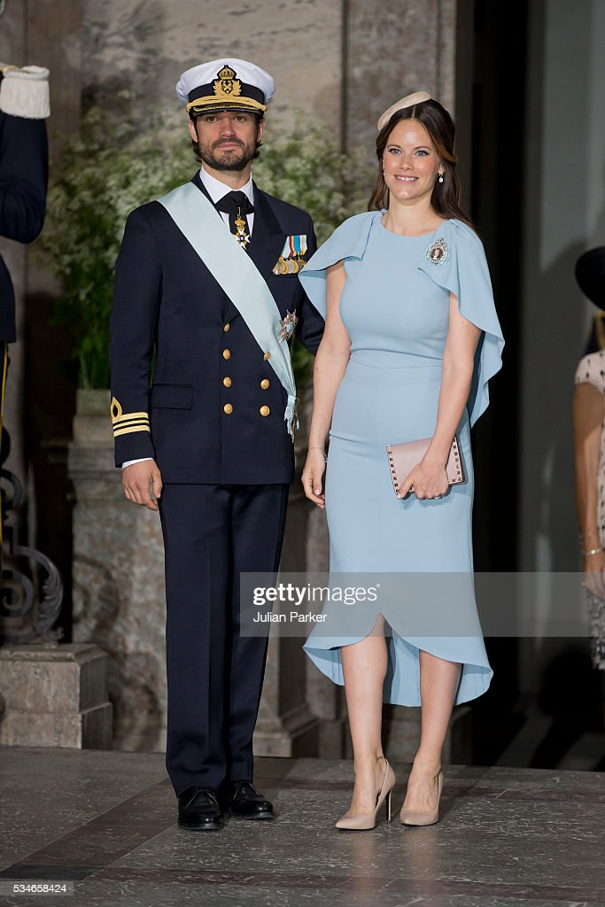 <a gi-track='captionPersonalityLinkClicked' href=/galleries/search?phrase=Prince+Carl+Philip+of+Sweden&family=editorial&specificpeople=160179 ng-click='$event.stopPropagation()'>Prince Carl Philip of Sweden</a>, and <a gi-track='captionPersonalityLinkClicked' href=/galleries/search?phrase=Princess+Sofia+-+Duchess+of+V%C3%A4rmland&family=editorial&specificpeople=6692655 ng-click='$event.stopPropagation()'>Princess Sofia</a> of Sweden, attend the christening of Prince Oscar of Sweden at the Royal Palace in Stockholm on May 27, 2016 in Stockholm, Sweden.