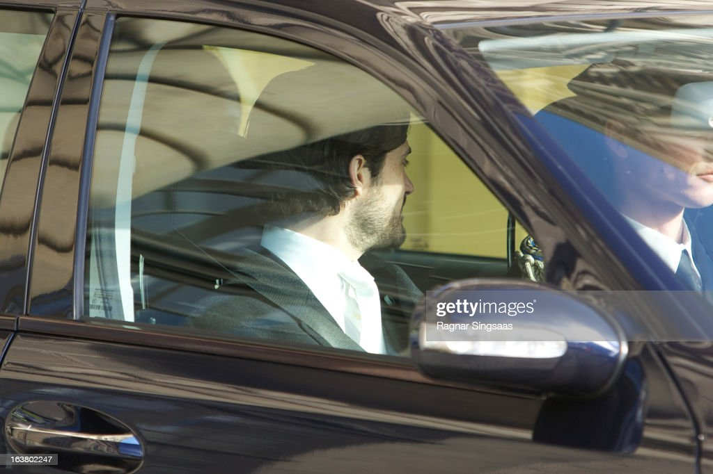 <a gi-track='captionPersonalityLinkClicked' href=/galleries/search?phrase=Prince+Carl+Philip+of+Sweden&family=editorial&specificpeople=160179 ng-click='$event.stopPropagation()'>Prince Carl Philip of Sweden</a> attends the funeral of Princess Lilian Of Sweden on March 16, 2013 in Stockholm, Sweden.