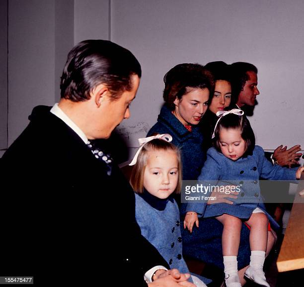 Prince Carlos of Borbon Dos Sicilias and his wife Princess Anne of Orleans daughter of the Counts of Paris Henry and Isabel with their children...