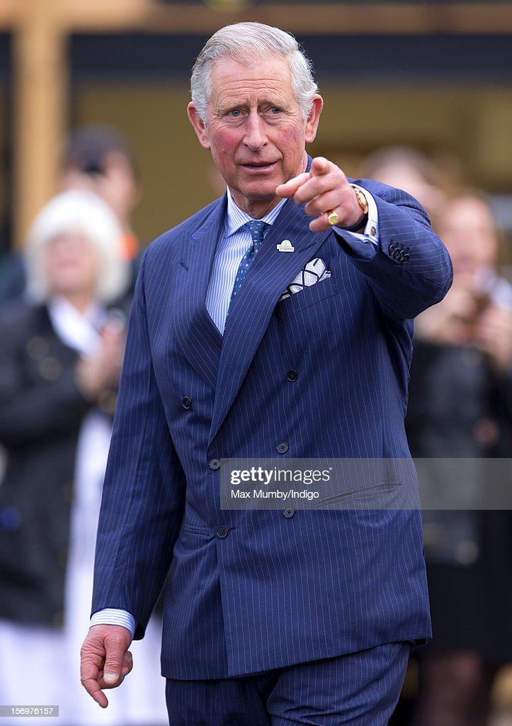 <a gi-track='captionPersonalityLinkClicked' href=/galleries/search?phrase=Prince+Charles&family=editorial&specificpeople=160180 ng-click='$event.stopPropagation()'>Prince Charles</a>, Prince of Wales accompanied by Jamie Oliver visits Carshalton Boys Sports College to see how the school has transformed its approach to healthy eating on November 26, 2012 in Carshalton, England.