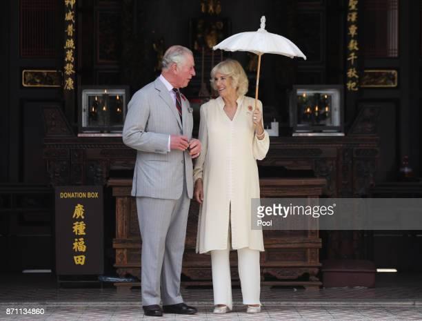 Prince Charles Prince of Wales and Camilla Duchess of Cornwall during a visit to Han Jiang Temple on November 7 2017 in Penang Malaysia Prince...