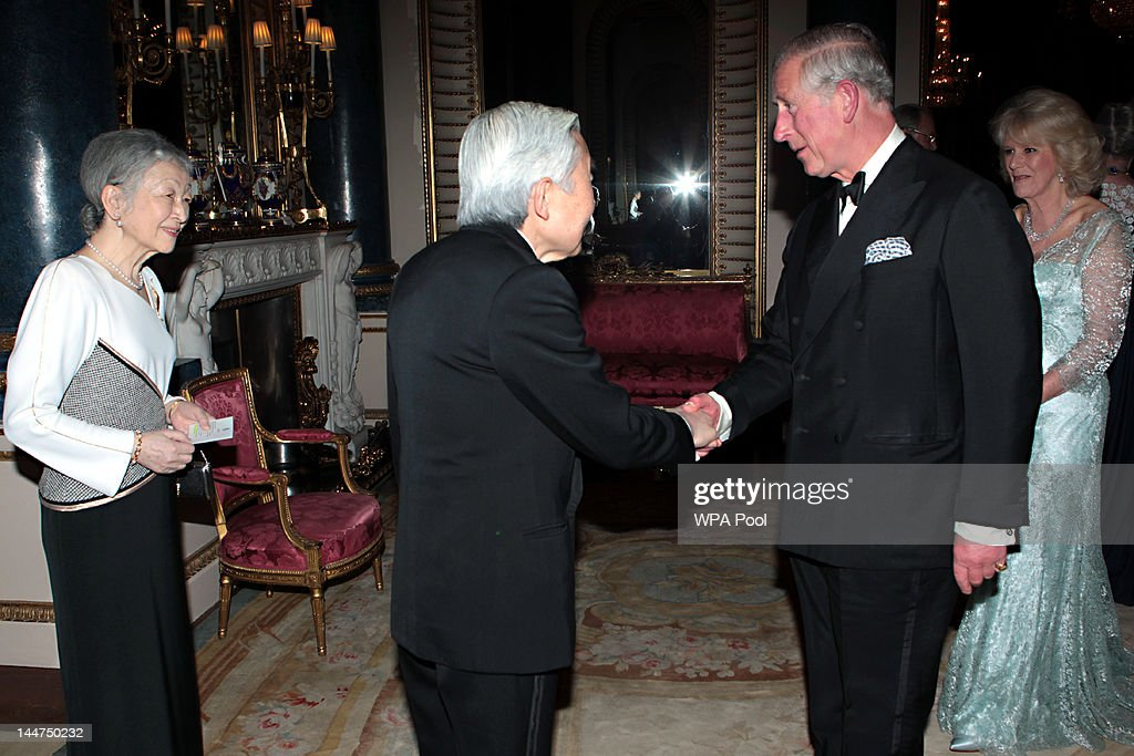 <a gi-track='captionPersonalityLinkClicked' href=/galleries/search?phrase=Prince+Charles+-+Prince+of+Wales&family=editorial&specificpeople=160180 ng-click='$event.stopPropagation()'>Prince Charles</a>, Prince of Wales and <a gi-track='captionPersonalityLinkClicked' href=/galleries/search?phrase=Camilla+-+Duchess+of+Cornwall&family=editorial&specificpeople=158157 ng-click='$event.stopPropagation()'>Camilla</a>, Duchess of Cornwall greet Emperor Akihito of Japan and <a gi-track='captionPersonalityLinkClicked' href=/galleries/search?phrase=Empress+Michiko&family=editorial&specificpeople=158725 ng-click='$event.stopPropagation()'>Empress Michiko</a> as they arrive for a dinner for foreign Sovereigns to commemorate the Diamond Jubilee at Buckingham Palace on May 18, 2012 in London, England. <a gi-track='captionPersonalityLinkClicked' href=/galleries/search?phrase=Prince+Charles+-+Prince+of+Wales&family=editorial&specificpeople=160180 ng-click='$event.stopPropagation()'>Prince Charles</a>, Prince of Wales and <a gi-track='captionPersonalityLinkClicked' href=/galleries/search?phrase=Camilla+-+Duchess+of+Cornwall&family=editorial&specificpeople=158157 ng-click='$event.stopPropagation()'>Camilla</a>, Duchess of Cornwall hosted the event.