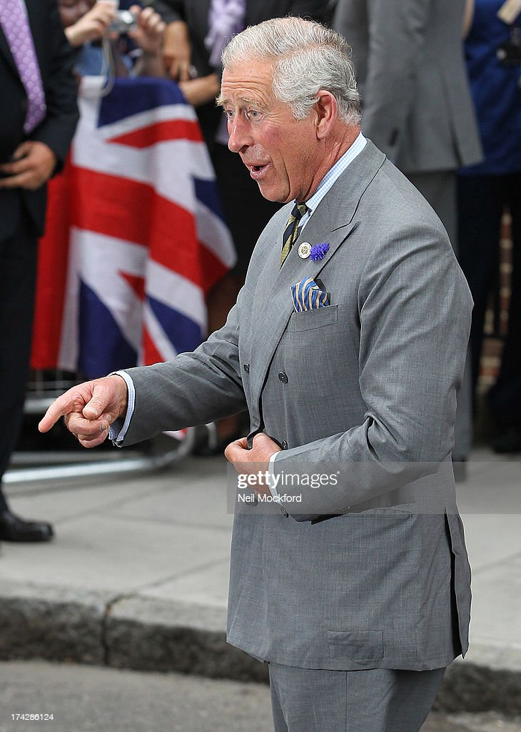 <a gi-track='captionPersonalityLinkClicked' href=/galleries/search?phrase=Prince+Charles&family=editorial&specificpeople=160180 ng-click='$event.stopPropagation()'>Prince Charles</a>, Prince of Wales arrives to visit the Duke and Duchess Of Cambridge and their newborn son at the Lindo Wing, St Mary's Hospital on July 23, 2013 in London, England.