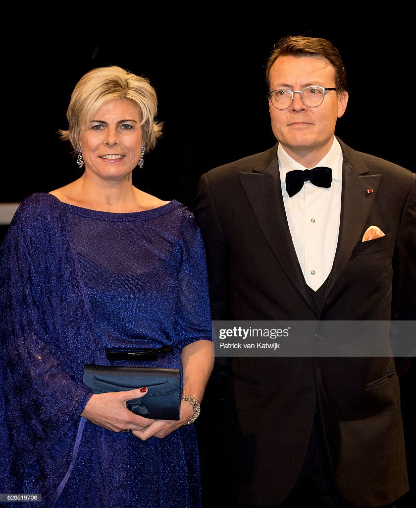 Prince Constantijn and Princess Laurentien at the start of the concert offered by the Belgian King in the Muziekgebouw Aan't IJ Amsterdam on November 29, 2016 in The Hague, Netherlands. Vitalis is supported by the Oranje Foundation and guide young vulnerable people