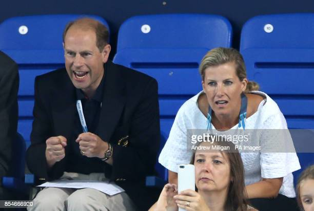 Prince Edward and the Countess of Wessex watch the Women's 400m Freestyle Final at Tollcross International Swimming Centre during the 2014...