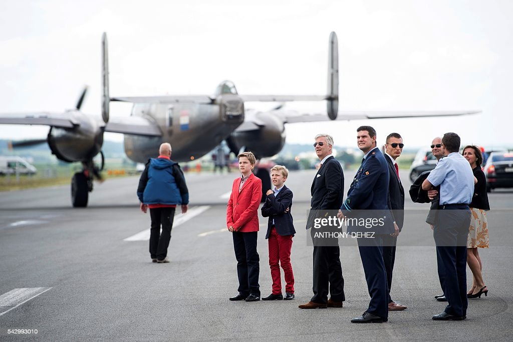 Prince Emmanuel, Prince Gabriel and King Philippe - Filip of Belgium visit the Belgian Air Force Days at the military base in Florennes on June 25, 2016. / AFP / Belga / ANTHONY DEHEZ / Belgium OUT