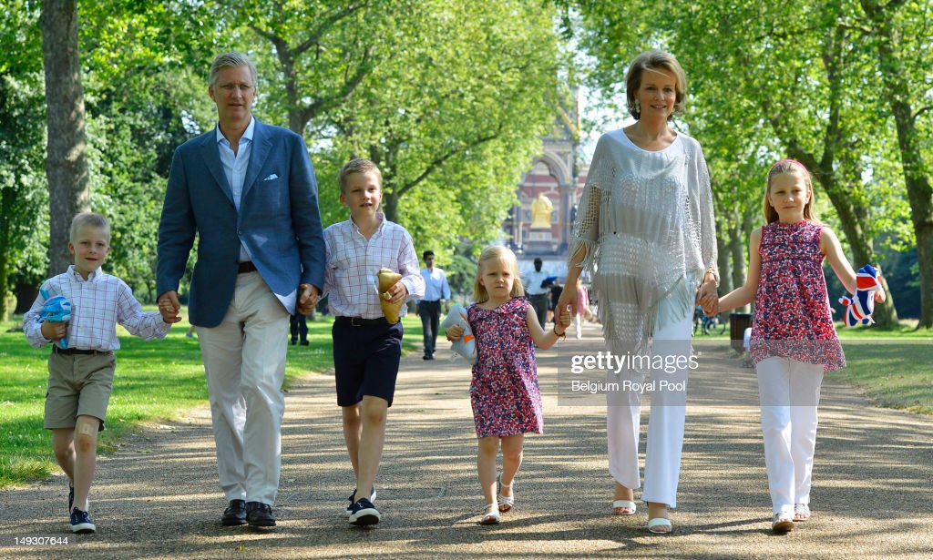 Prince Emmanuel, Prince Philippe, Prince Gabriel, Princess Eleonore, Princess Mathilde and Princess Elisabeth of Belgium pose for a photo during a visit to central London on July 26, 2012 in London, England.