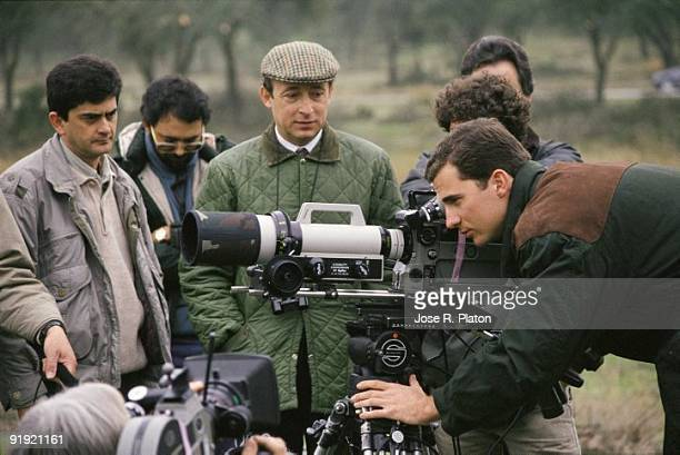 Prince Felipe de Borbn in the recording of a TV program on nature The Prince of Asturias looking through the camera