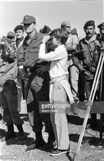 Prince Felipe in military maneuvers in Almeria