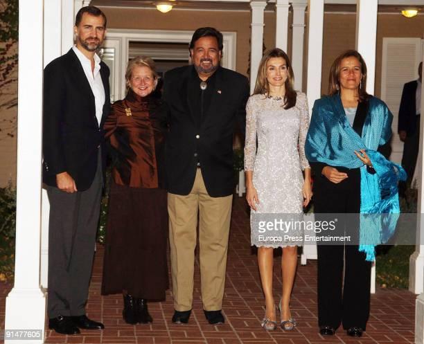 Prince Felipe New Mexico Governor Bill Richardson and his wife Barbara Richardon Princess Letizia and Mexico's First Lady Margarita Zavala pose...