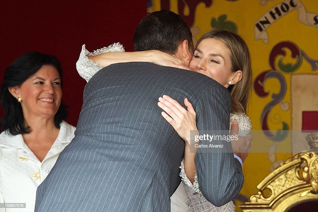 Prince Felipe of Spain and Princess Letizia of Spain attend Red Cross Fundraising Day 2012 on October 10, 2012 in Madrid, Spain.