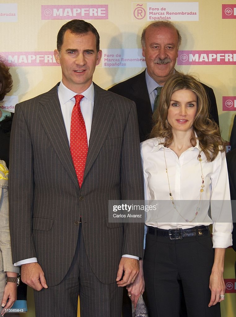 prince-felipe-of-spain-and-princess-letizia-of-spain-attend-the-de-picture-id113565843