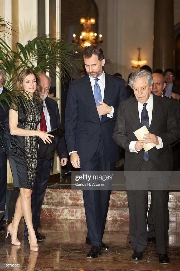 Prince Felipe of Spain (C) and Princess Letizia of Spain (L) attend the 'Francisco Cerecedo Journalism Award' ceremony at the Ritz Hotel on November 20, 2012 in Madrid, Spain.