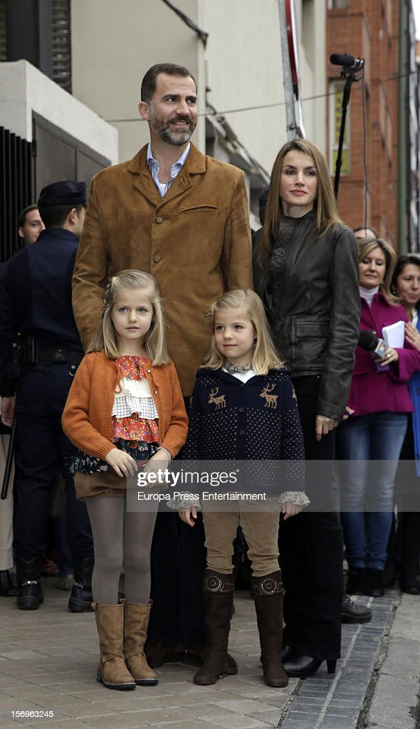 Prince Felipe of Spain, Princess <a gi-track='captionPersonalityLinkClicked' href=/galleries/search?phrase=Letizia+of+Spain&family=editorial&specificpeople=158373 ng-click='$event.stopPropagation()'>Letizia of Spain</a> and their daughters Princess <a gi-track='captionPersonalityLinkClicked' href=/galleries/search?phrase=Leonor+-+Princess+of+Asturias&family=editorial&specificpeople=6328965 ng-click='$event.stopPropagation()'>Leonor</a> (L) and Princess Sofia visit King Juan Carlos of Spain on November 25, 2012 in Madrid, Spain. King Juan Carlos of Spain underwent an operation on his left hip.