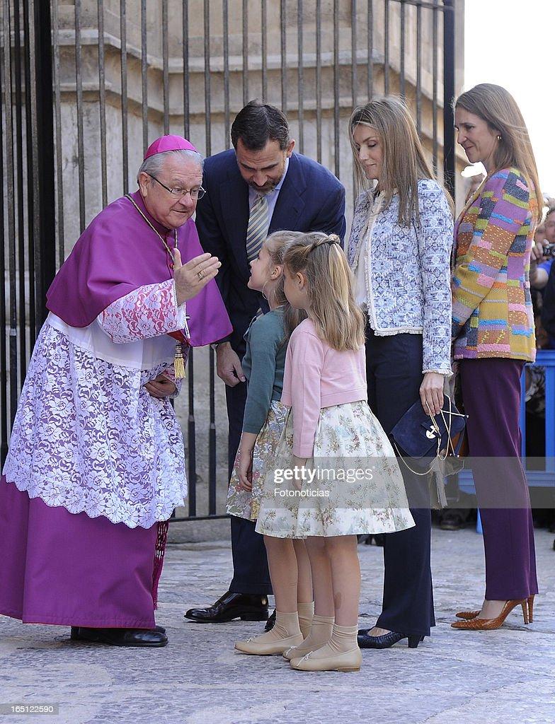 Prince Felipe of Spain, Princess Letizia of Spain, Princess Elena of Spain and Princess Sofia and Princess Leonor attend Easter Mass at The Cathedral of Palma de Mallorca on March 31, 2013 in Palma de Mallorca, Spain.